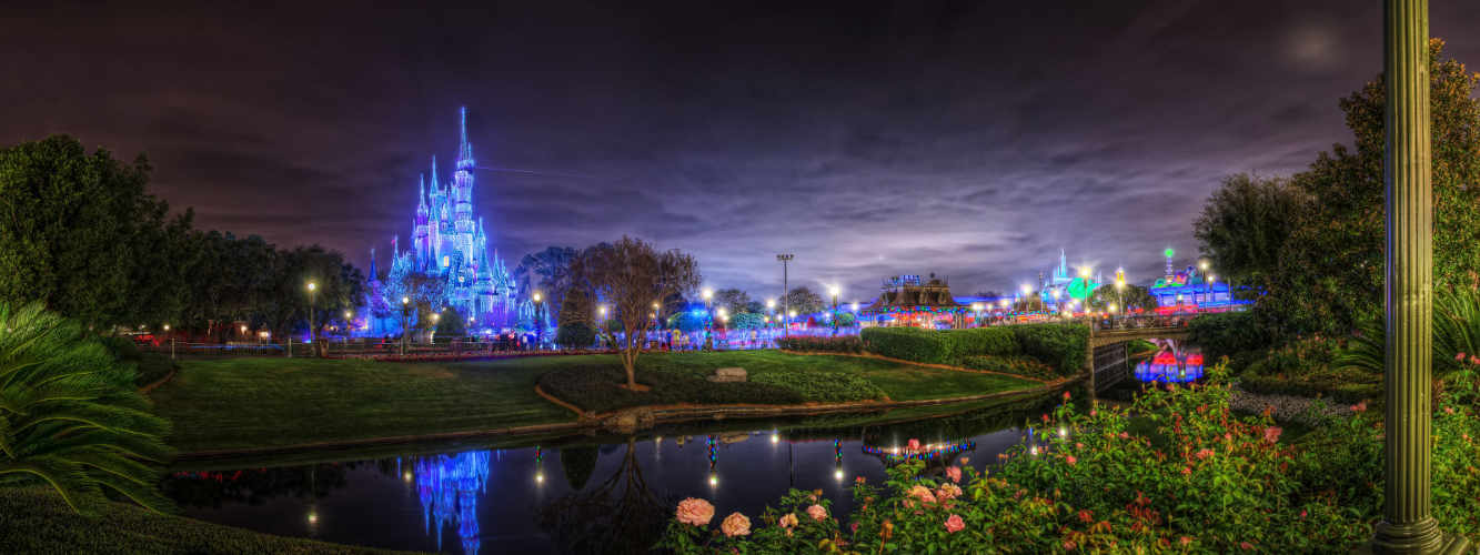 disney-world-magic-kingdom-castle-night-smaller