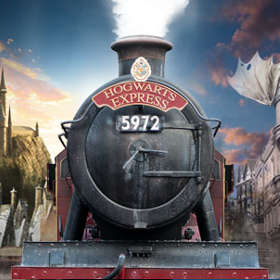 Wizarding World of Harry Potter Hogwarts Express